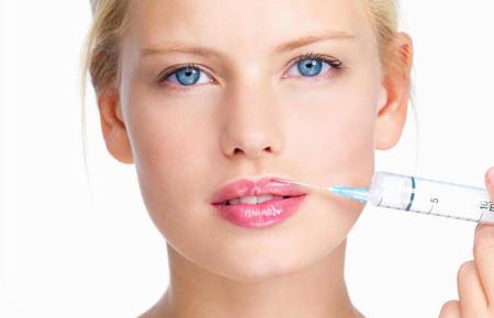 Как увеличить губы при помощи контурной пластики