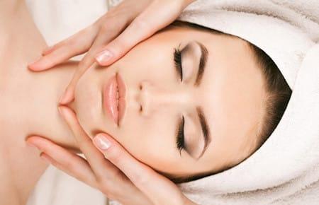 Косметический массаж для молодости лица