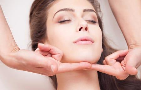 Как определить нахождение массажных линий на лице и шее