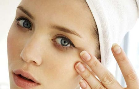 Как применять Гепариновую мазь от синяков под глазами